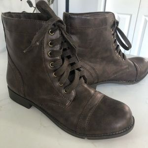 Rampage brown combat boots with laces 7 1/2